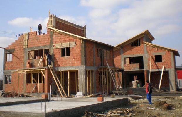 Cat costa construirea unei case pe cont propriu for Cat costa construirea unei piscine